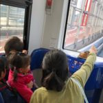 4歳、3歳、2歳の3人を1人で連れて行った旅行の1コマ